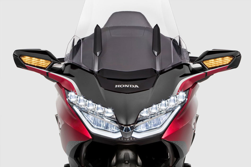 frontal-goldwing-2021