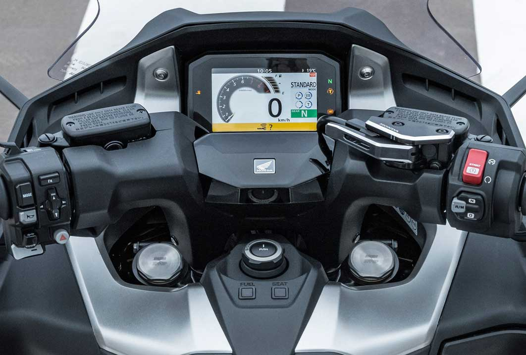 Sistema Honda de control por voz del móvil